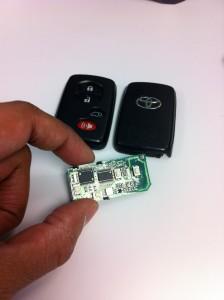 Toyota Highlander key fob innards